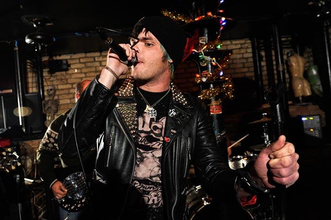 punk rock karaoke 0675gf