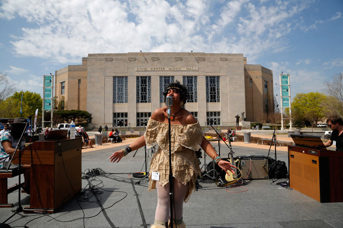 Bowlsey performs during the Creativity World Forum at the Civic Center in Oklahoma City, Tuesday, March 31, 2015.  (Photo by Garett Fisbeck)
